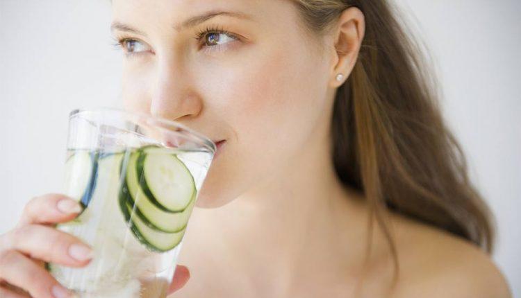 فواید آب برای پوست بدن