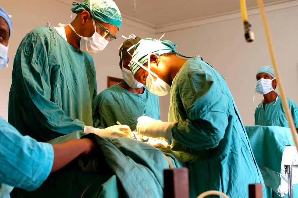 چه گزینه هایی برای جراحی شکم وجود دارد؟